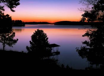 Lake Lanier photo by @wandermtn